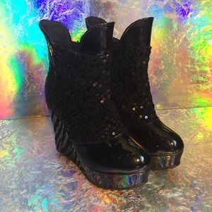 Shoes - Wedge platform boots, patent leather, NEW, size7.5